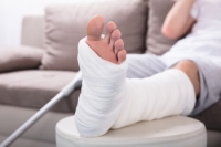 What Are the Symptoms of an Ankle Fracture?